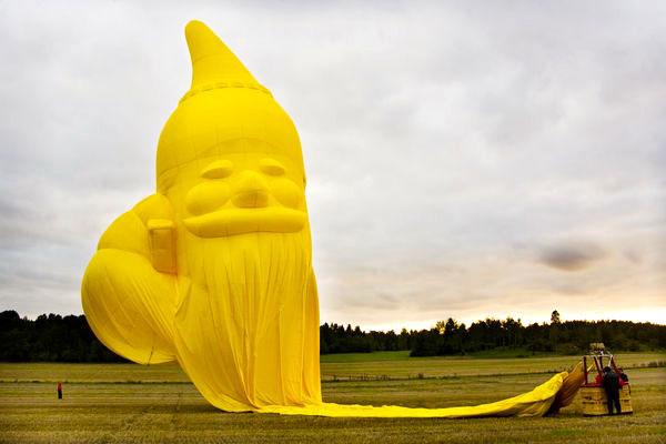 SE-ZLZ Kubicek Yellow Santa