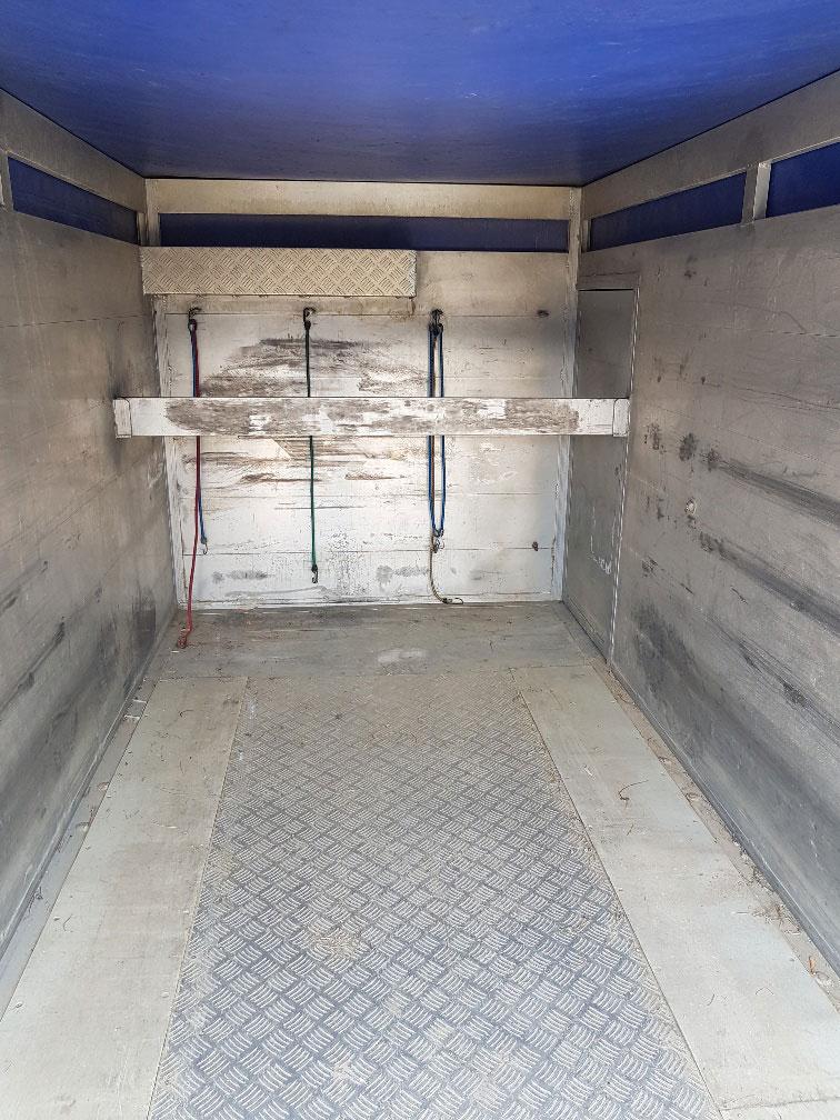 Unterrader Tandem axle trailer