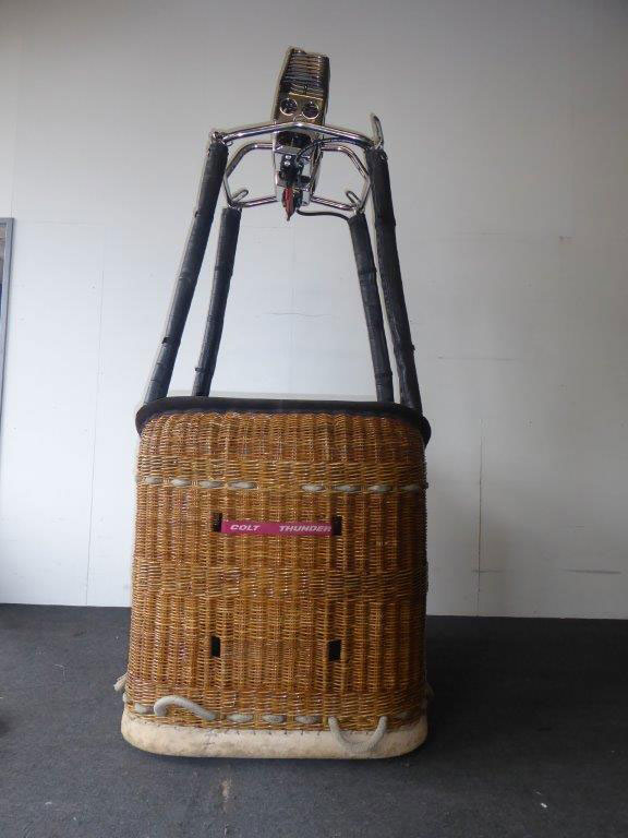 Thunder & Colt basket with Cameron burner