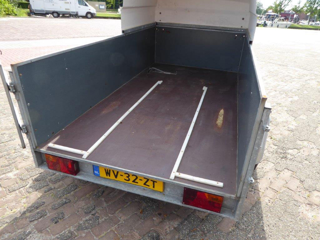 Top Trailers tandem axle trailer
