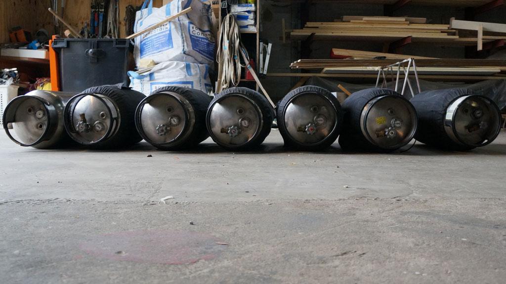 7x Aerostar V15 cylinders