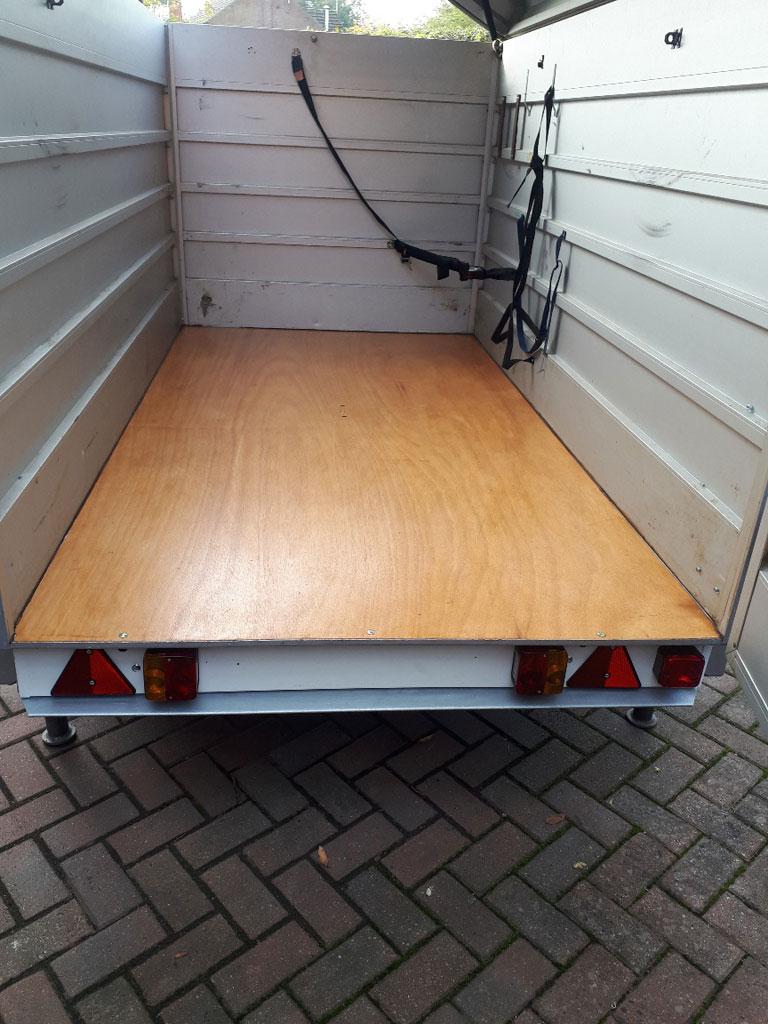 2.5m single axle Heinemann trailer