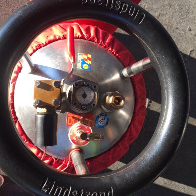 2x Lindstrand LBL V40 cylinders