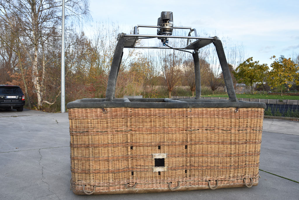Cameron 250 TT basket with Ultramagic burner
