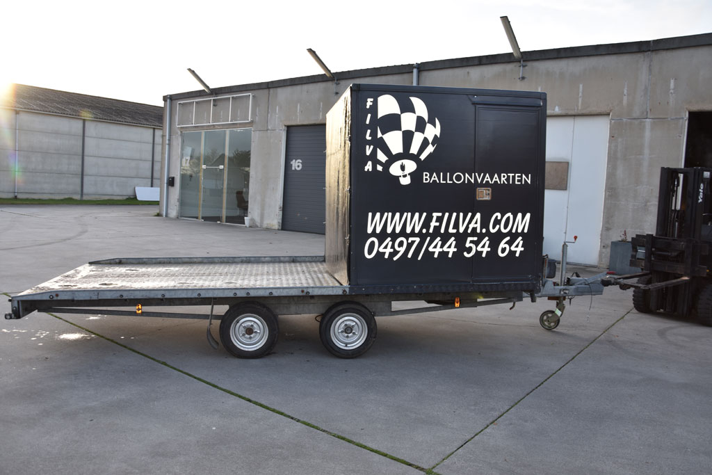 Tack Tandem axle flatbed trailer