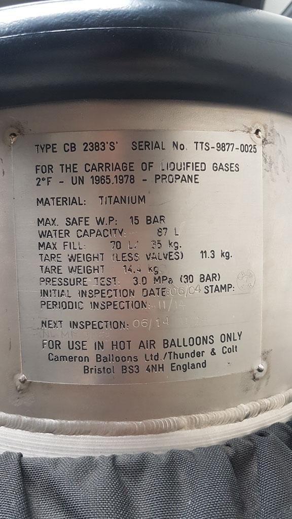 PH-HRT Cameron A-160