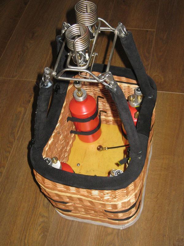 Boelling model balloon bottom end