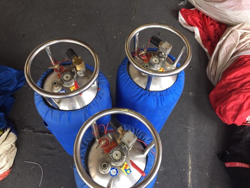 3x Lindstrand LBL V40 cylinders