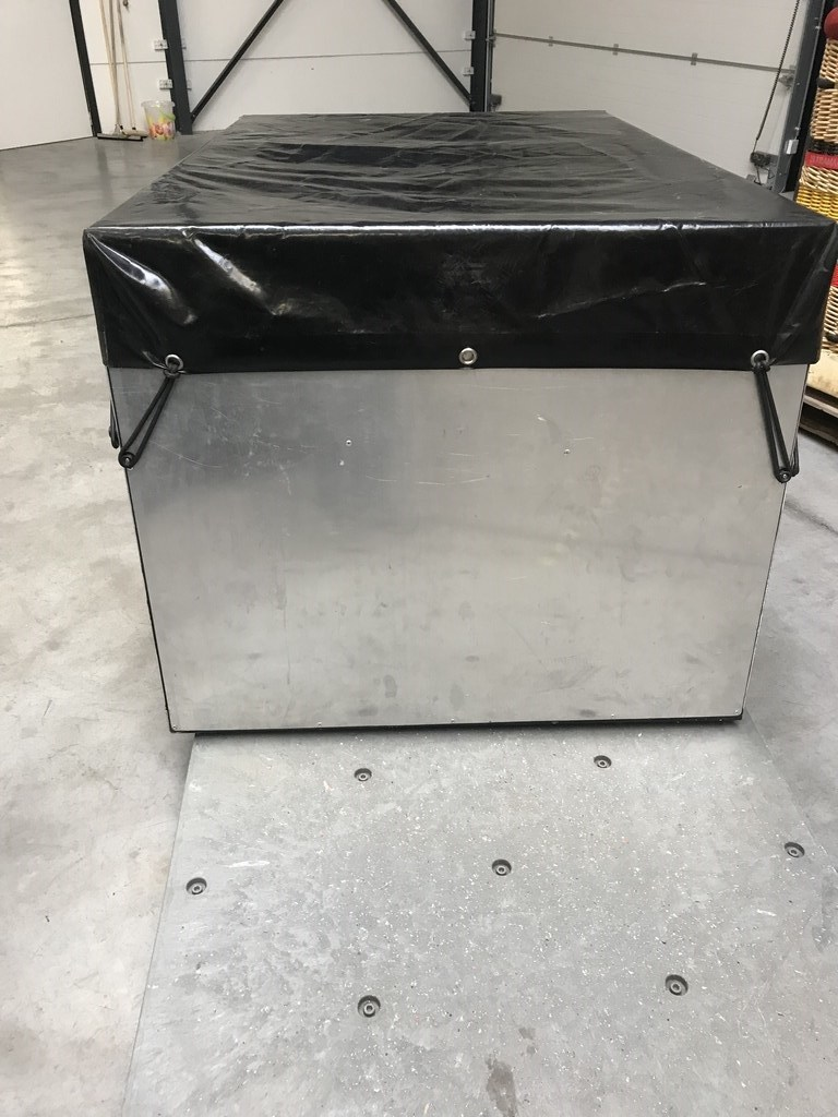 Aluminium envelope box