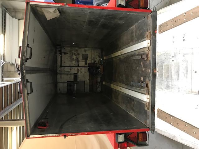 Tandem axle trailer