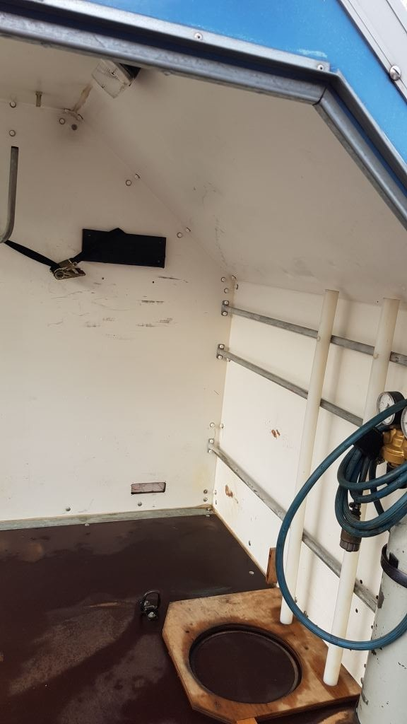Adagos single axle trailer