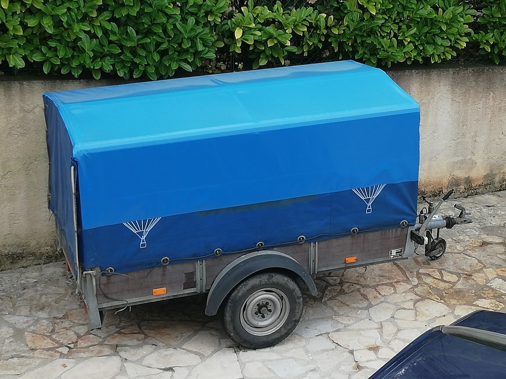 2.5m single axle Saris trailer