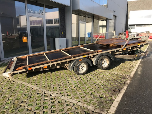 4.8m Ifor Williams flat bed trailer