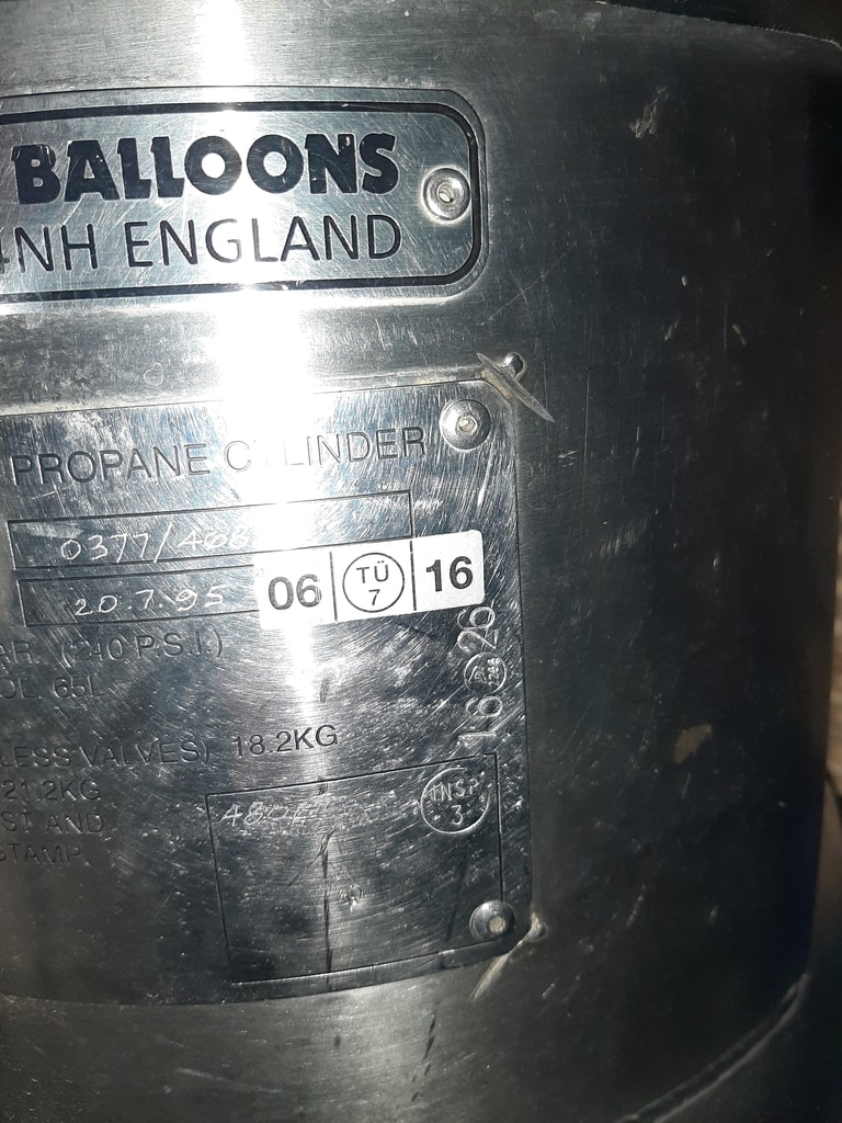 5x Cameron CB2088 cylinders