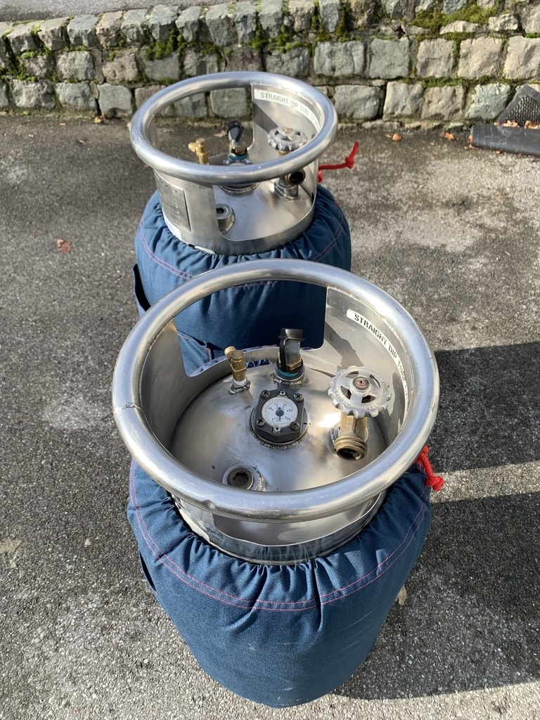2x Cameron CB497 cylinders
