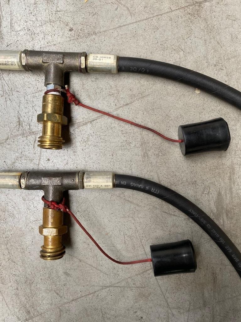 2x Lindstrand 2-tank manifold